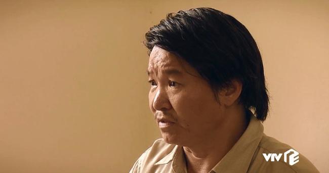 """""""Sinh tử"""" tập 6: Đang bận ôm ấp Trinh (Quỳnh Nga), Bạt bị bố gọi điện """"đòi ghế"""" vì quá hư hỏng - Ảnh 2."""
