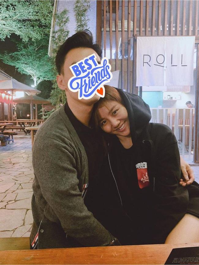Mừng ngày lễ độc thân, Văn Mai Hương chính thức khoe ảnh e ấp bên người ấy, nhưng vẫn nhất quyết không để lộ khuôn mặt - Ảnh 3.