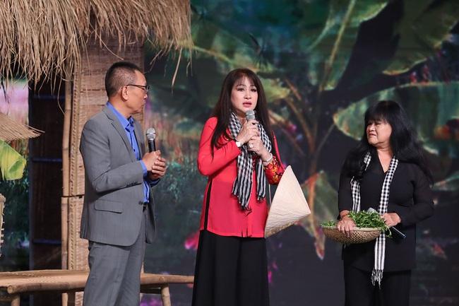 """""""Ký ức vui vẻ"""": Hương Lan khóc nghẹn, Quyền Linh kể chuyện sốt rét rừng nặng đến mức muốn bỏ nghề  - Ảnh 2."""