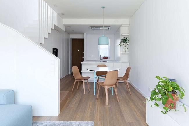 Nhà phố đẹp hiện đại với thiết kế vô cùng đơn giản, ai sống ở đây có lẽ cũng phát thèm - Ảnh 2.
