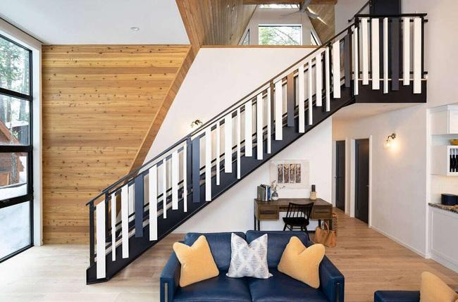 Ngôi nhà trong rừng đẹp như bước ra từ cổ tích cực thân thiện với không gian núi rừng - Ảnh 4.