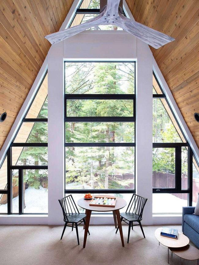 Ngôi nhà trong rừng đẹp như bước ra từ cổ tích cực thân thiện với không gian núi rừng - Ảnh 5.