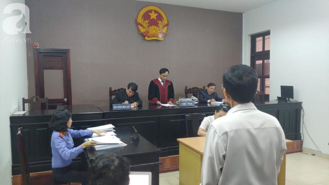 Vụ người nhà bệnh nhân tử vong kiện BV FV: Tòa tuyên BV phải xin lỗi, bồi thường 1.000 đồng - Ảnh 1.