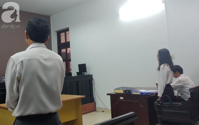 Vụ người nhà bệnh nhân tử vong kiện BV FV: Tòa tuyên BV phải xin lỗi, bồi thường 1.000 đồng - Ảnh 6.