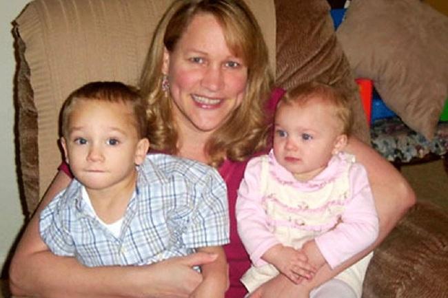 Thấy 2 cháu liên tục bị bệnh phải nhập viện trong nhiều năm, bà sinh nghi rồi phát hiện chính mẹ ruột bọn trẻ là người hại chúng - Ảnh 1.