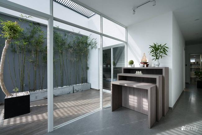 Ngôi nhà tối giản rộng 72m2 giúp con người được giao hòa với thiên nhiên ở quận 8, TP HCM - Ảnh 14.