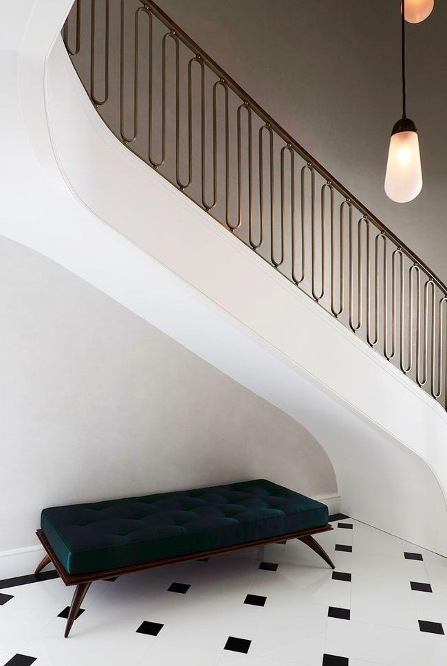 16 cách thông minh để tạo phong cách riêng cho không gian gầm cầu thang, chỉ nhìn thôi bạn đã chết mê - Ảnh 10.