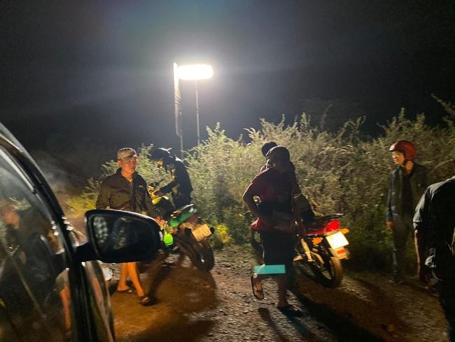 """""""Vua bánh mì"""": Nhật Kim Anh sốt cao vẫn quay phim đến nửa đêm, khổ cực như lúc đóng """"Tiếng sét trong mưa"""" - Ảnh 4."""