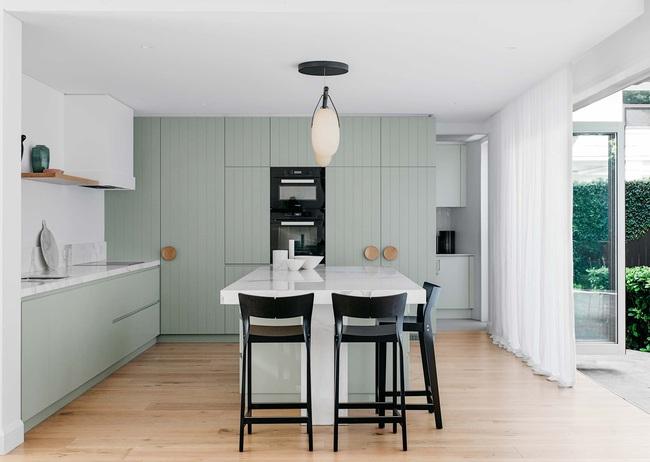 Thêm 15 mẫu thiết kế nhà bếp vô cùng bắt mắt khiến bạn chỉ muốn đứng mãi trong bếp nấu nướng mỗi ngày - Ảnh 12.