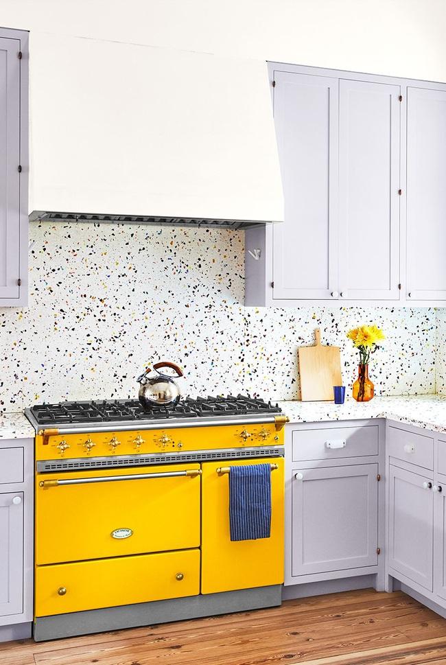 Thêm 15 loại sơn nhà bếp vô cùng bắt mắt khiến bạn chỉ muốn đứng mãi trong bếp nấu nướng mỗi ngày - Ảnh 1.