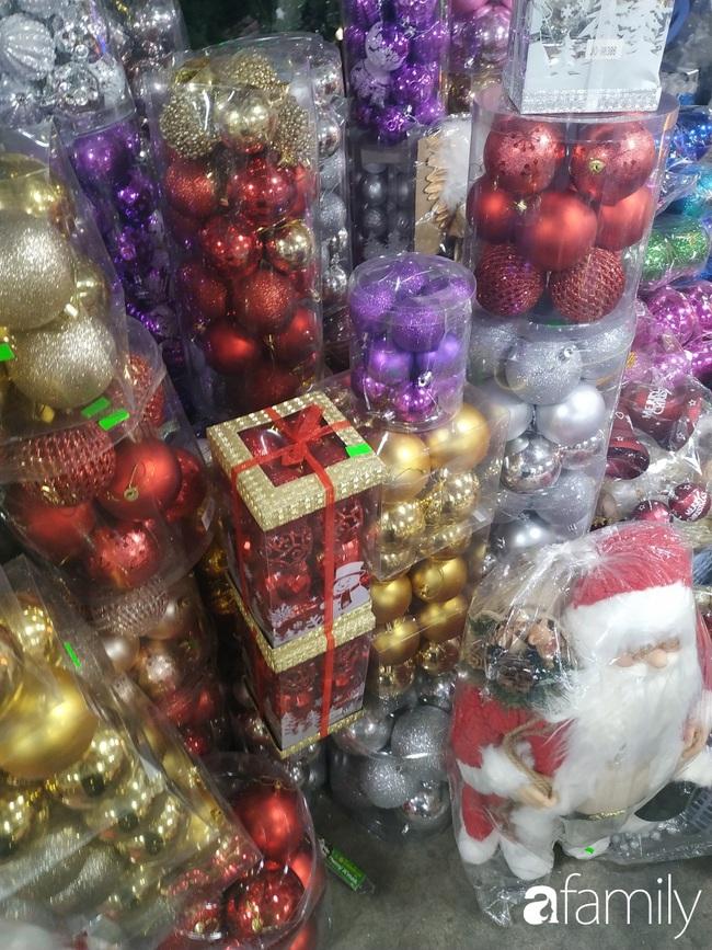 """Tháng 11, không khí Noel đã """"đổ bộ"""" về đường phụ kiện Hải Thượng Lãn Ông nhộn nhịp chốn Sài thành - Ảnh 10."""