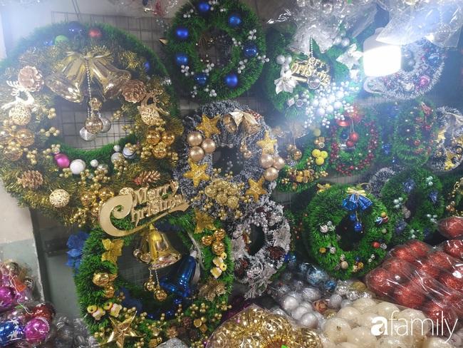 """Tháng 11, không khí Noel đã """"đổ bộ"""" về đường phụ kiện Hải Thượng Lãn Ông nhộn nhịp chốn Sài thành - Ảnh 9."""