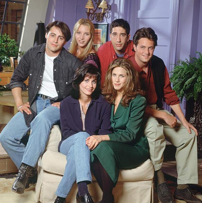 """Sau 25 năm, dàn diễn viên phim """"Friends - Những người bạn"""" bất ngờ tung thính về màn tái hợp với series thứ 11? - Ảnh 1."""