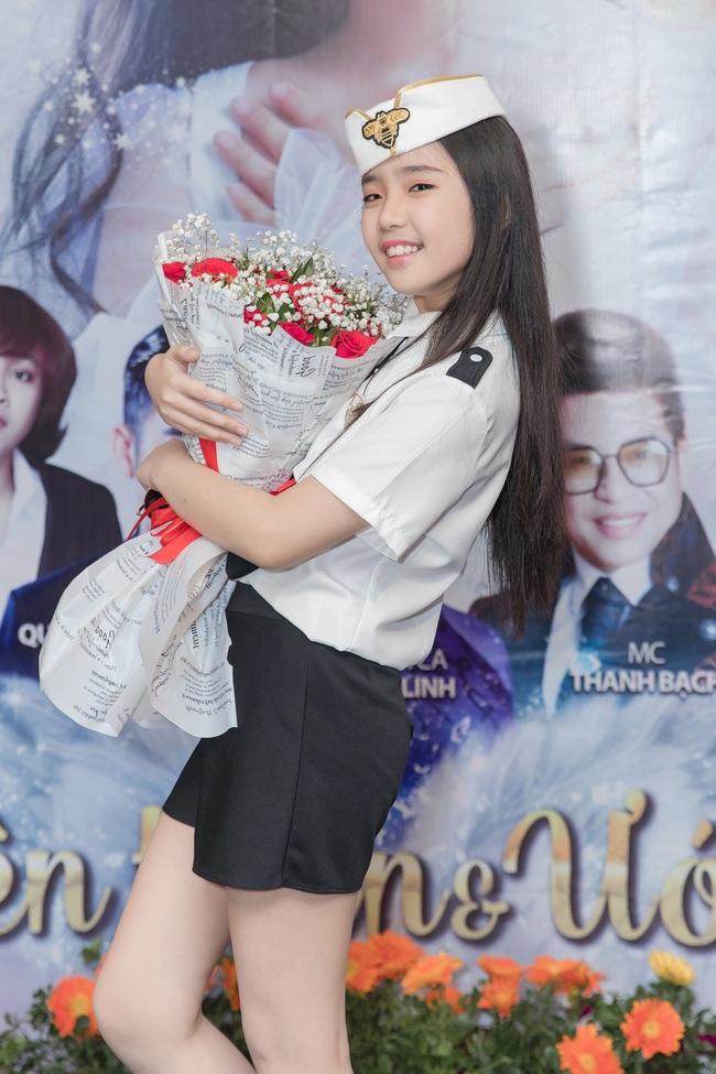 Bỏ qua ồn ào với vợ cũ Xuân Hương, Thanh Bạch xuất hiện với tóc vàng nổi nhất đám đông - Ảnh 6.