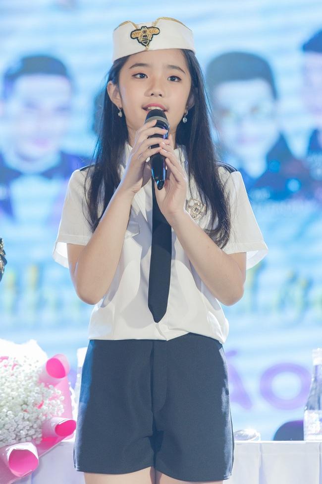 Bỏ qua ồn ào với vợ cũ Xuân Hương, Thanh Bạch xuất hiện với tóc vàng nổi nhất đám đông - Ảnh 7.