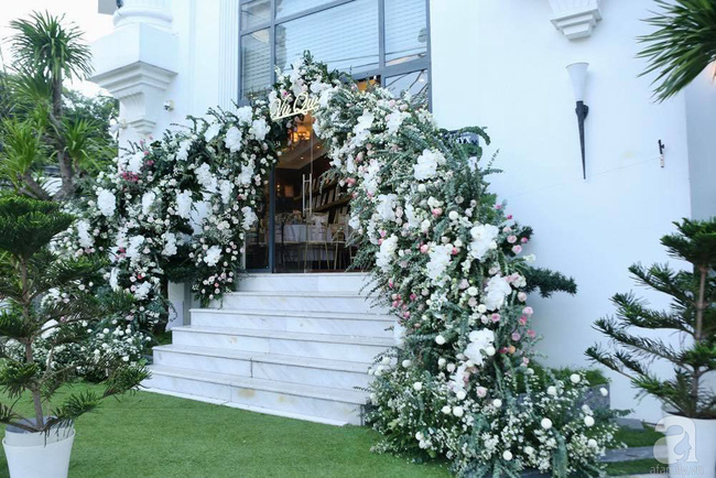 Toàn cảnh lễ rước dâu trong đám cưới Bảo Thy và bạn trai doanh nhân: Cô dâu đã về tới nhà chú rể, an ninh được thắt chặt cả buổi - Ảnh 4.