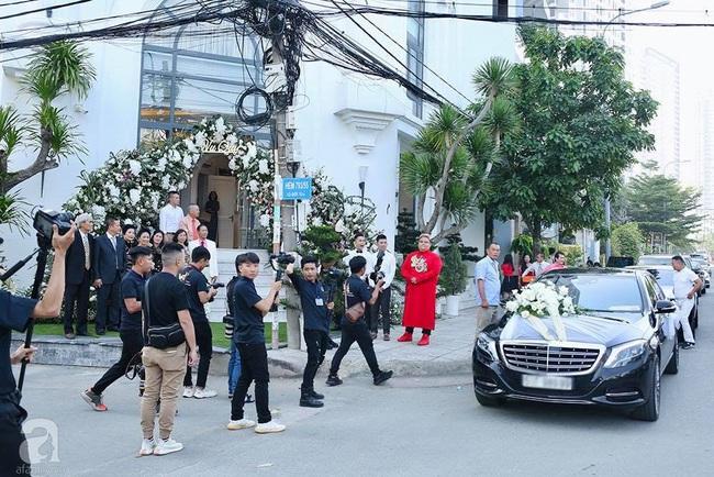 Toàn cảnh lễ rước dâu trong đám cưới Bảo Thy và bạn trai doanh nhân: Cô dâu đã về tới nhà chú rể, an ninh được thắt chặt cả buổi - Ảnh 7.