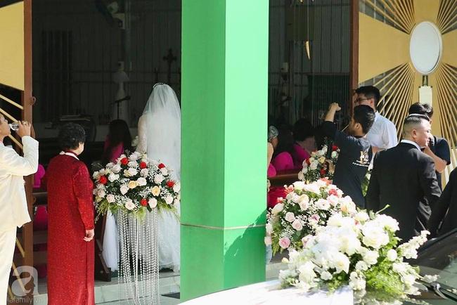 Toàn cảnh lễ rước dâu trong đám cưới Bảo Thy và bạn trai doanh nhân: Cô dâu đã về tới nhà chú rể, an ninh được thắt chặt cả buổi - Ảnh 24.