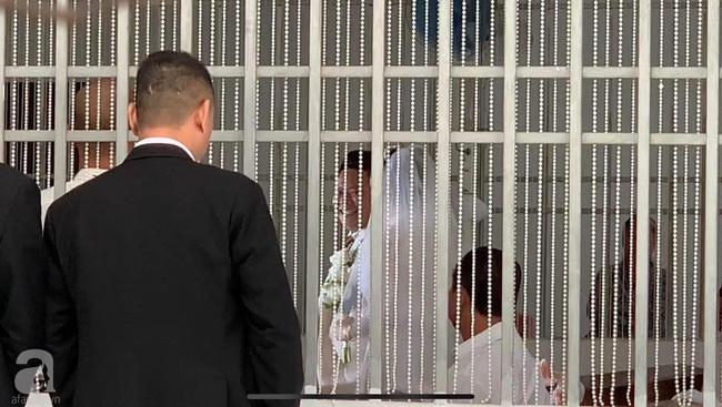 Toàn cảnh lễ rước dâu trong đám cưới Bảo Thy và bạn trai doanh nhân: Cô dâu đã về tới nhà chú rể, an ninh được thắt chặt cả buổi - Ảnh 26.
