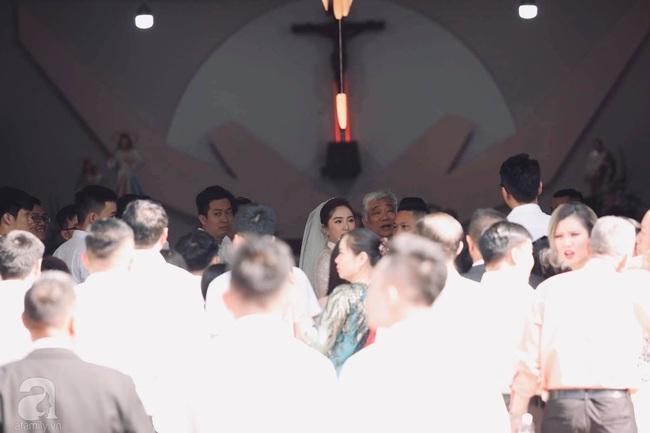 Toàn cảnh lễ rước dâu trong đám cưới Bảo Thy và bạn trai doanh nhân: Cô dâu đã về tới nhà chú rể, an ninh được thắt chặt cả buổi - Ảnh 31.