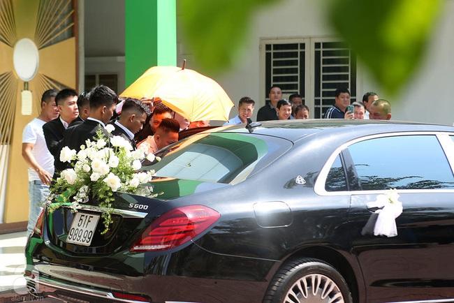 Toàn cảnh lễ rước dâu trong đám cưới Bảo Thy và bạn trai doanh nhân: Cô dâu đã về tới nhà chú rể, an ninh được thắt chặt cả buổi - Ảnh 34.