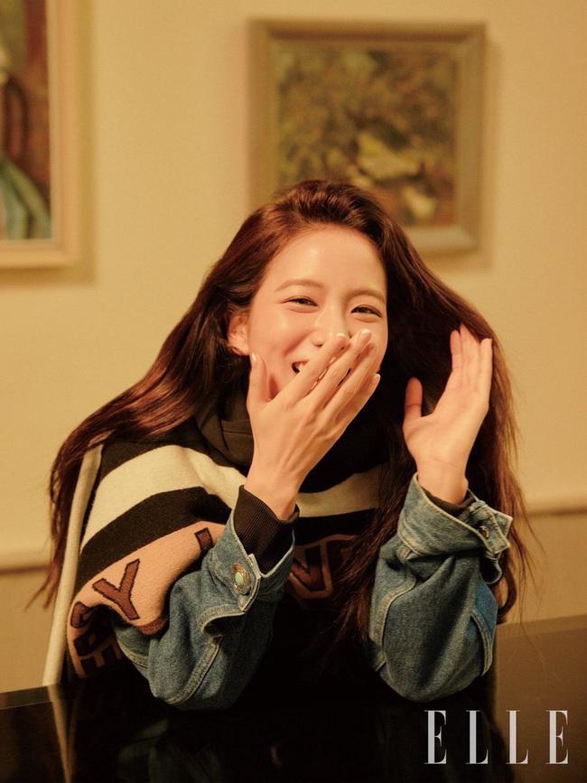 Không còn bánh bèo nhẹ nhàng, Jisoo cá tính đến ngỡ ngàng khi lên bìa tạp chí thời trang danh tiếng - Ảnh 5.