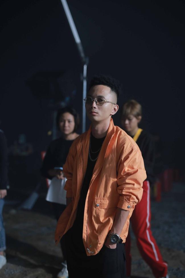 Giữa tin đồn sắp kết hôn với Tóc Tiên, Hoàng Touliver bắt tay Phương Ly làm MV mới  - Ảnh 3.