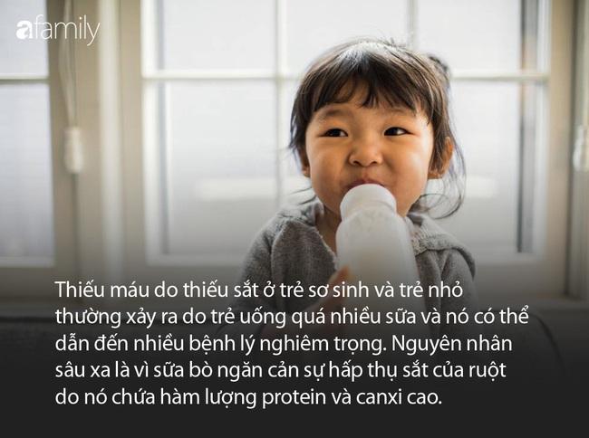 Mẹ chết lặng khi con gái 2 tuổi suýt mất mạng vì được mẹ cho uống quá nhiều sữa mỗi ngày - Ảnh 7.