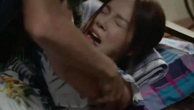 """""""Tiệm ăn dì ghẻ"""" tập 1: Quang Tuấn đi tù vì cờ bạc, vừa ra trại đã lao vào làm nhục vợ cũ - Dương Cẩm Lynh - Ảnh 13."""