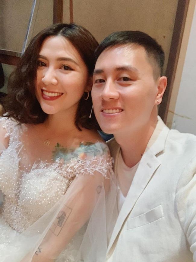 Cuối tuần của các hot mom: Vợ cũ Việt Anh khoe nhan sắc quyến rũ, mẹ 2 con Ngọc Mon lộng lẫy như bà hoàng bên chồng - Ảnh 5.