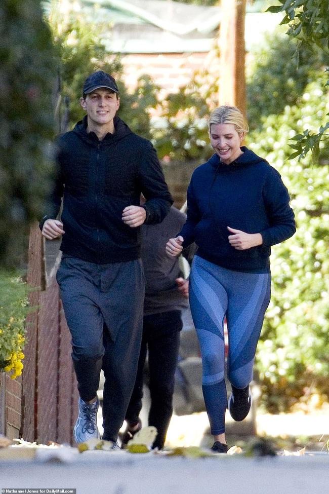 Ivanka Trump để mặt mộc chạy bộ với chồng nhưng bị chỉ trích vì một chi tiết phản cảm - Ảnh 3.