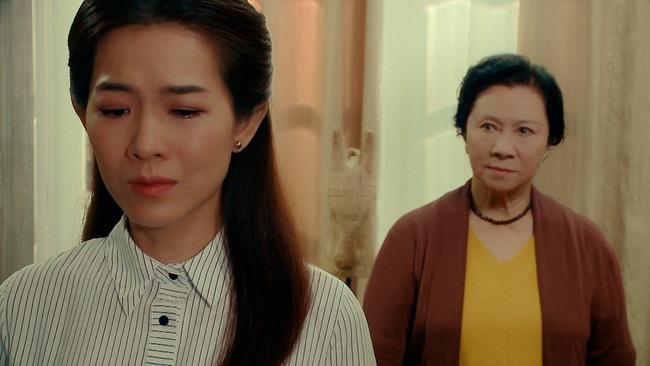 """""""Nước mắt loài cỏ dại"""" tập 1: NSND Minh Đức làm mẹ chồng giàu có hách dịch, khiến con trai - con gái người từ mặt - Ảnh 6."""