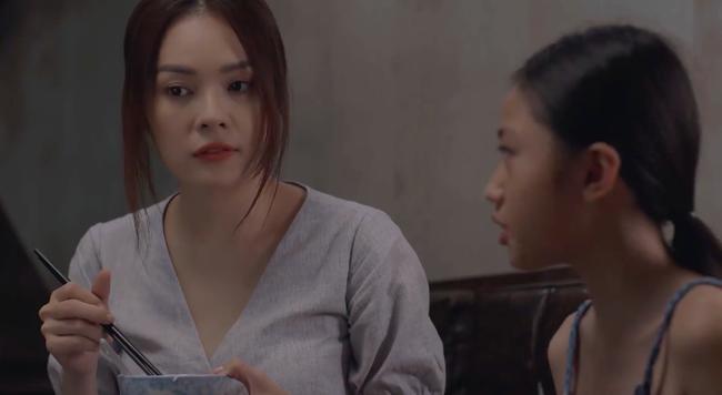 """""""Tiệm ăn dì ghẻ"""" tập 1: Dương Cẩm Lynh nuốt nước mắt lo sợ khi chồng cũ ra tù, đòi bắt cóc con gái  - Ảnh 3."""