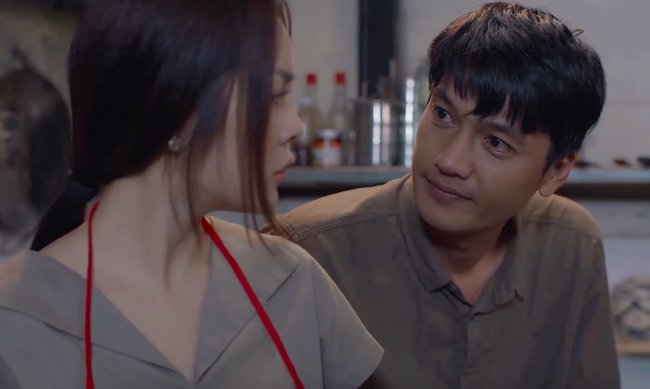 """""""Tiệm ăn dì ghẻ"""" tập 1: Dương Cẩm Lynh nuốt nước mắt lo sợ khi chồng cũ ra tù, đòi bắt cóc con gái  - Ảnh 11."""