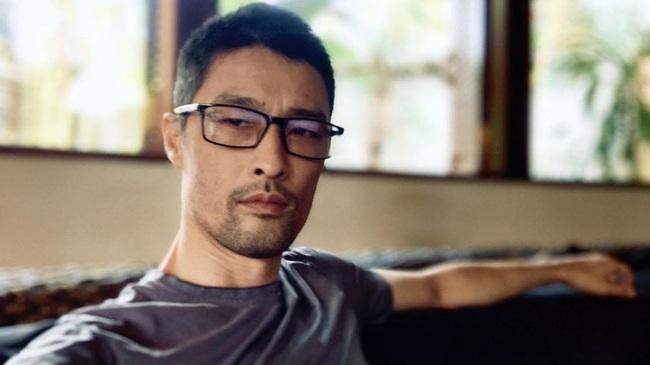"""Giữa loạt ảnh gây thất vọng của các mỹ nam Hàn Quốc, """"soái ca Vbiz"""" Johnny Trí Nguyễn bất ngờ trở lại với nhan sắc đỉnh như thời hoàng kim - Ảnh 2."""