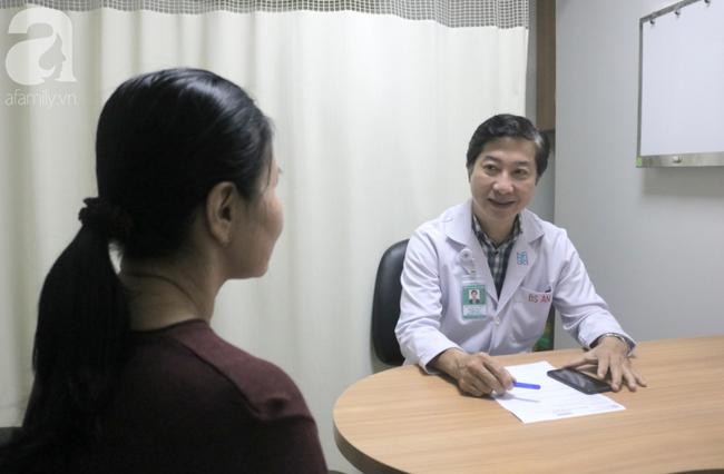 """Người phụ nữ liên tục bị són tiểu và khó chịu vùng âm đạo: Cảnh giác với căn bệnh """"khắc tinh"""" của chị em - Ảnh 1."""