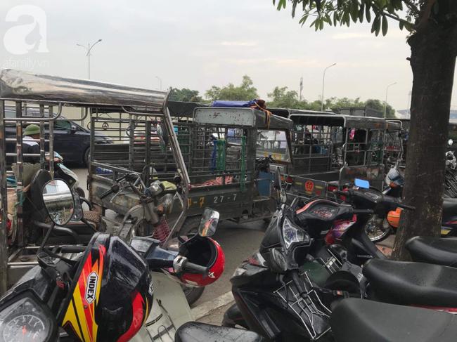 Khán giả thương binh xếp hàng dài ngoài cổng đợi đăng kí mua vé trận Việt Nam- Thái Lan - Ảnh 5.