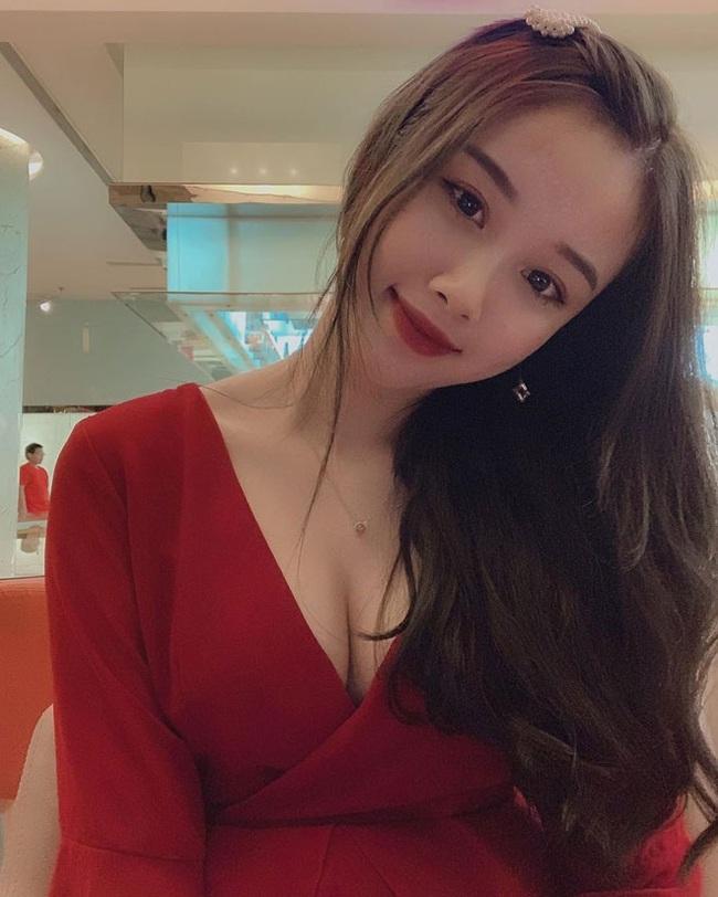"""Bạn gái cầu thủ Văn Toàn ngày càng gợi cảm, liên tục tung ảnh bikini khoe 3 vòng """"bỏng mắt"""" - Ảnh 4."""