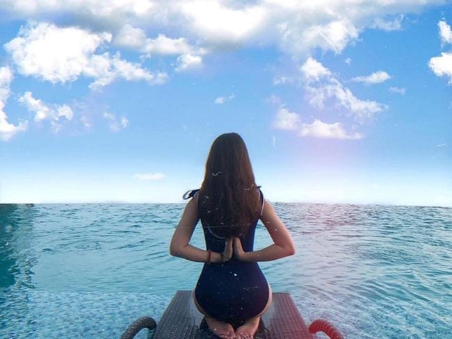 """Bạn gái cầu thủ Văn Toàn ngày càng gợi cảm, liên tục tung ảnh bikini khoe 3 vòng """"bỏng mắt"""" - Ảnh 5."""