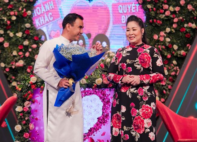 """""""Bạn muốn hẹn hò"""": """"Bắt tay"""" cùng Quyền Linh làm bà mối, NSND Hồng Vân nhận được phản ứng bất ngờ từ khán giả - Ảnh 2."""