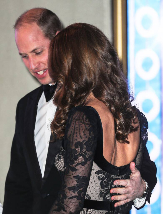 Xúng xính váy ren hở trước hở sau, Công nương Kate siêu gợi cảm nhưng vẫn chạm tới đỉnh cao của sự tinh tế - Ảnh 3.