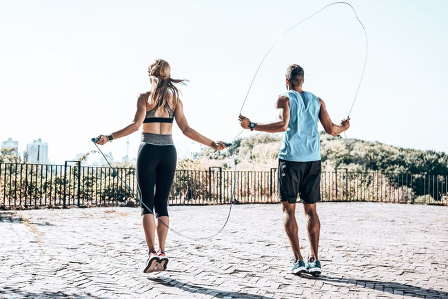 """Kinh nghiệm tập gym đầy mình, Châu Bùi bật mí nhảy dây giúp """"chân và bụng bé nhanh hơn chạy bộ"""" nhưng môn này còn kỳ diệu hơn thế - Ảnh 4."""