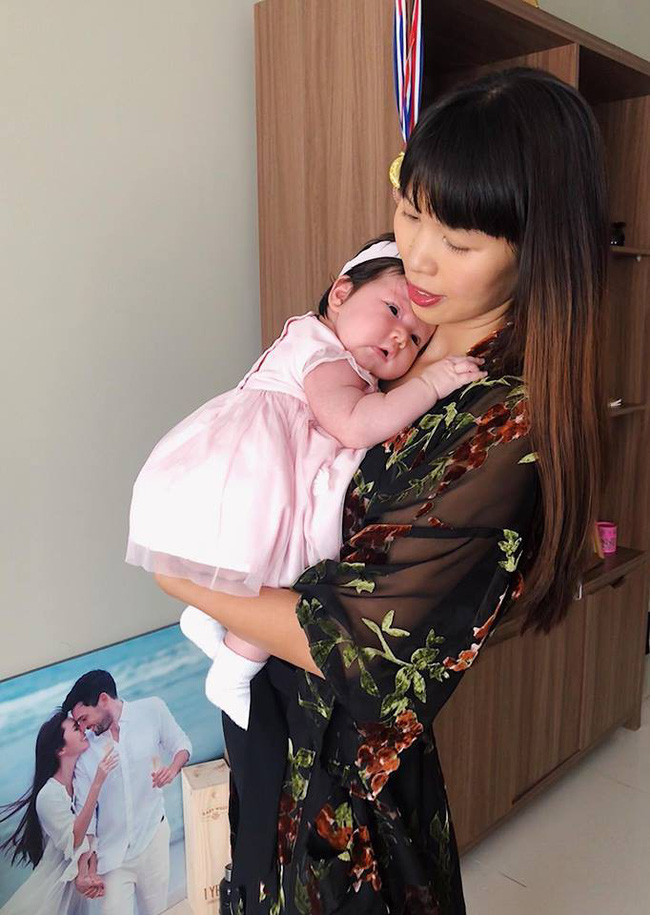 Đáng yêu tinh nghịch là thế, không ngờ bé Myla nhà Hà Anh lại chào đời trong hoàn cảnh đặc biệt khiến bà mẹ trẻ không bao giờ quên - Ảnh 8.