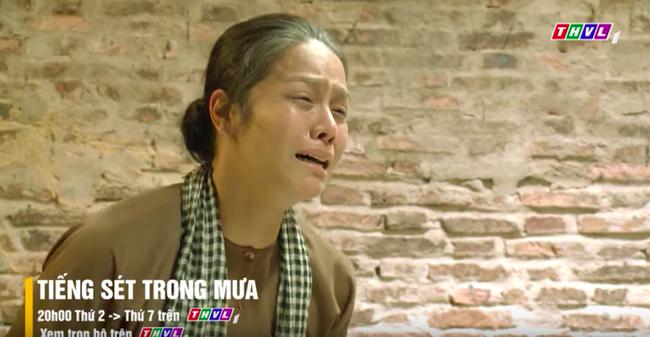 """""""Tiếng sét trong mưa"""" tập cuối: Khải Duy ôm Thị Bình trong tù, khóc nức nở cầu xin cai ngục trước lúc tử hình - Ảnh 10."""