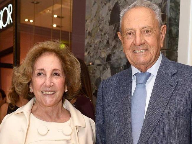 Tỷ phú duy nhất ở Bồ Đào Nha và cuộc hôn nhân đặc biệt: 34 tuổi mới đồng ý lập gia đình, chồng giàu nhất nước nhưng luôn mang ơn và sợ duy nhất mỗi vợ - Ảnh 4.