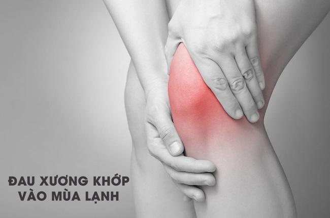 Người mắc bệnh xương khớp thường khổ sở khi trời lạnh: Hãy nghe chuyên gia chỉ cách chăm sóc cơ thể để giảm đau - Ảnh 1.