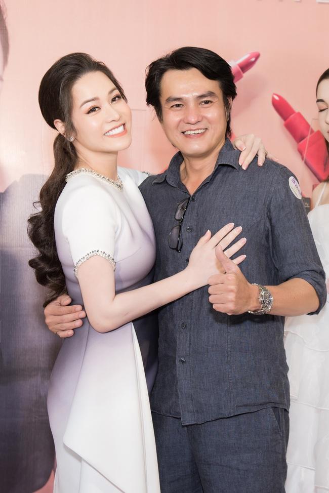 """Sau """"Tiếng sét trong mưa"""", Thị Bình - Nhật Kim Anh thân thiết hôn má Cậu Ba Khải Duy - Cao Minh Đạt  - Ảnh 6."""