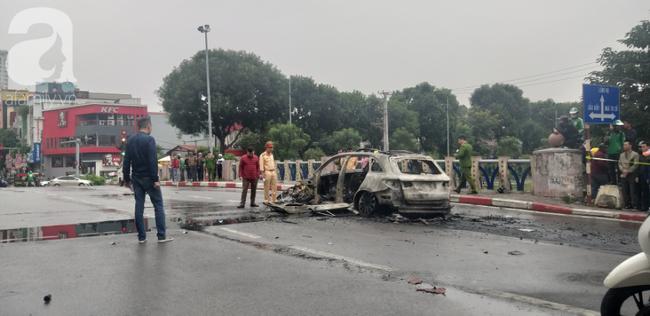 Vụ Mercedes kéo nhiều xe máy bốc cháy, khiến 1 nạn nhân tử vong: Chiếc xe ô tô chồng mới mua vài ngày giao cho vợ sử dụng - Ảnh 1.