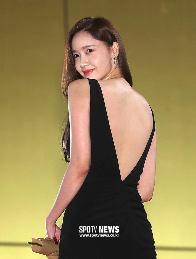 Những tưởng là tường thành nhan sắc khó ai có thể vượt qua được, nhưng Yoona vẫn bị mất điểm vì lộ khoảnh khắc này - Ảnh 3.