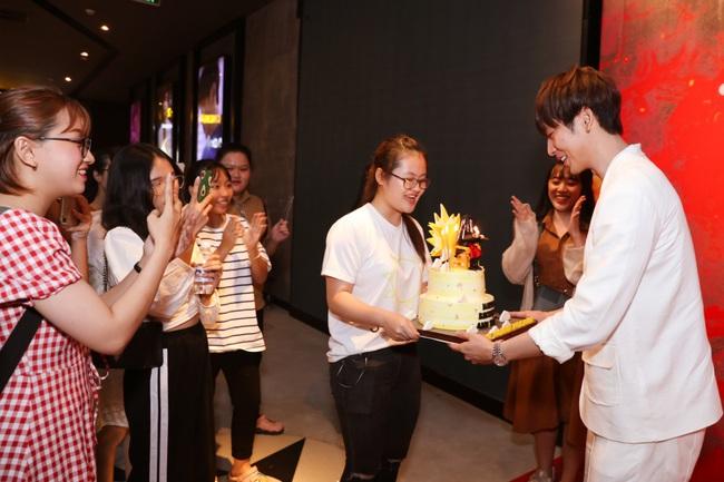 Mai Phương tái xuất với vai diễn lấy nước mắt trong web drama mới của Tuấn Trần - Ảnh 12.